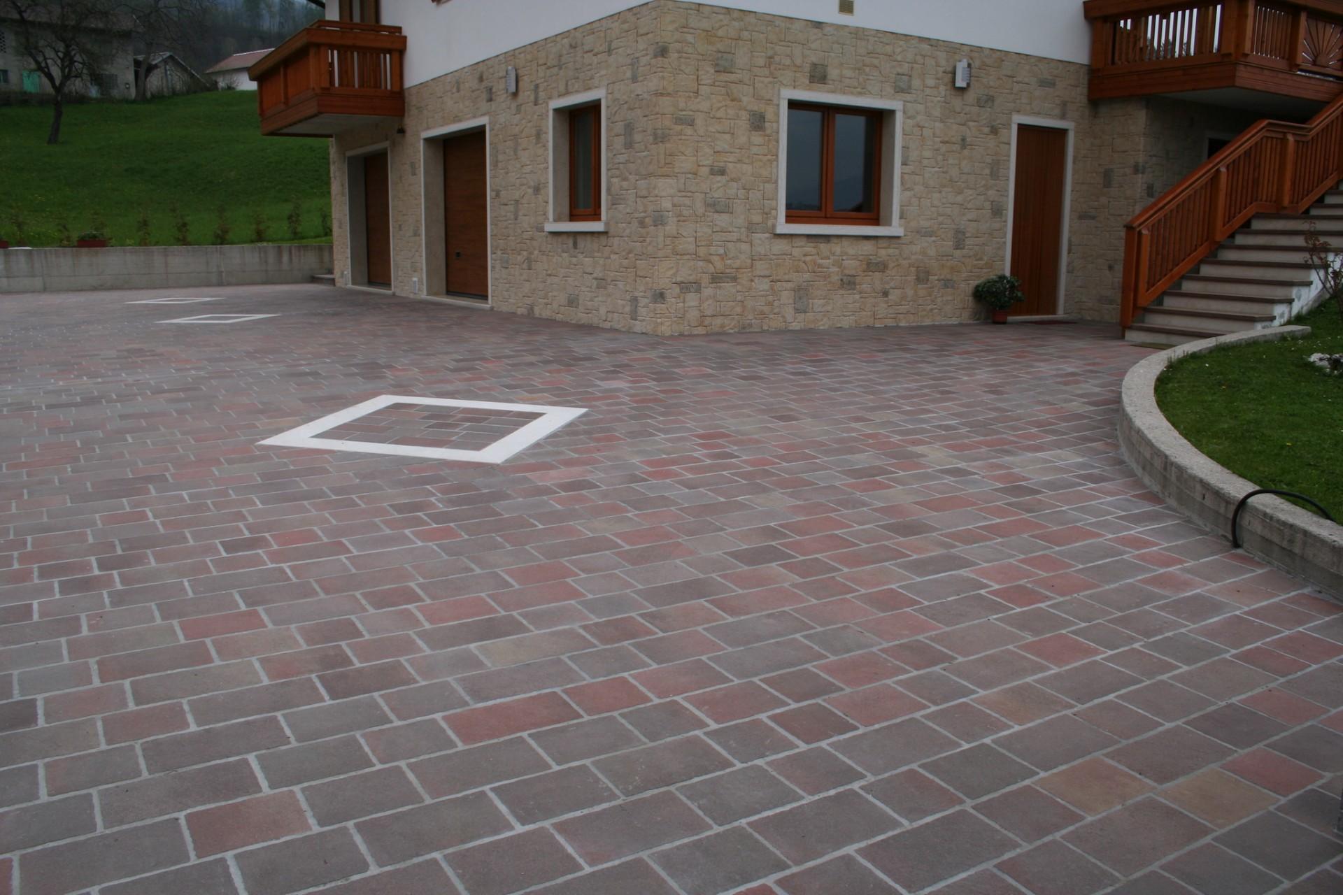 Pavimenti in porfido piastre e piastrelle di porfido per esterni